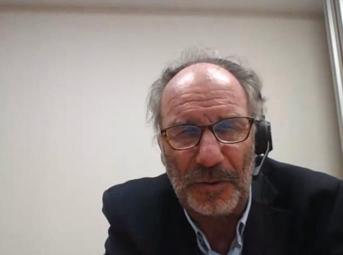 """El Dr. Guarner, en un moment de la seva participació en la tertúlia d'actualitat """"Els psicobiòtics, els bacteris que equilibren la salut mental""""."""
