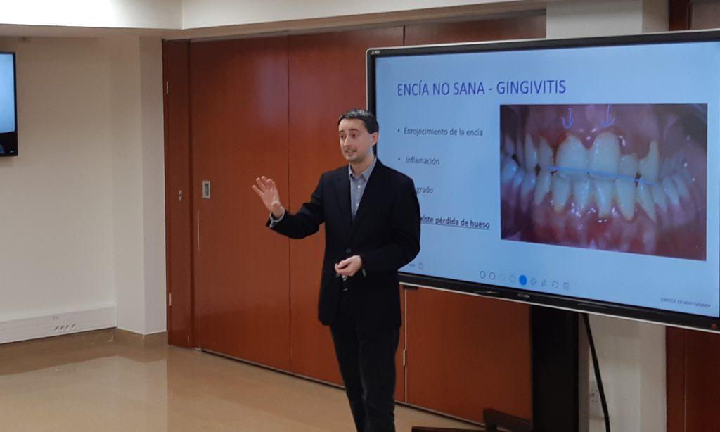 L'odontòleg Sergi Cuadrado, en un moment de la seva intervenció.