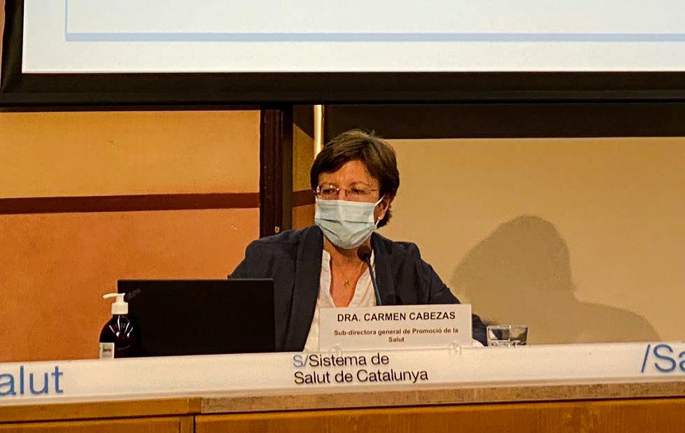 La Dra. Carmen Cabezas, durant una roda de premsa, al Departament de Salut.