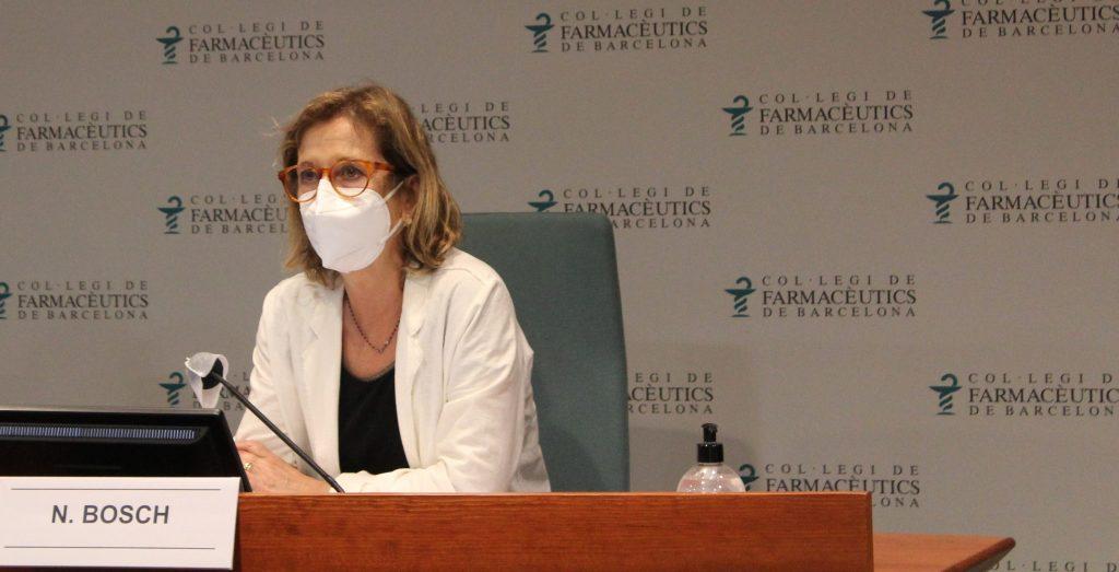 La vicepresidenta, Núria Bosch, mentre exposava les accions més rellevants de l'àmbit de Comunicació.